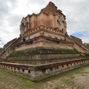 Thailand_ChiangMai_Wat_Chedi_Luange_Worawian_forweb