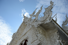 Thailand_ChiangRai_Wat_Rong_Kung_White_Temple_01_forweb
